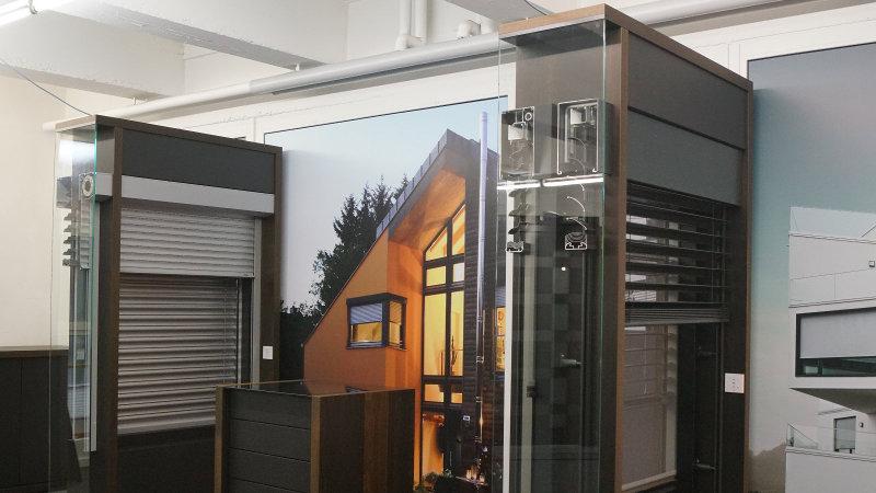 fenster haust ren rolll den sonnenschutz und. Black Bedroom Furniture Sets. Home Design Ideas